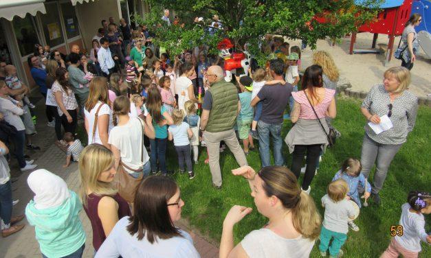 Göttschied: Gelungenes Multi-Kulti-Maifest in der Kita