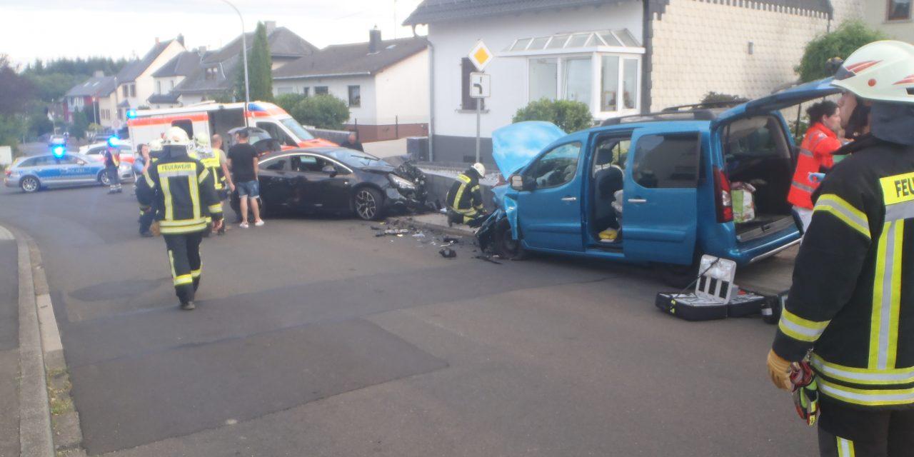 Oberhausen b. Kirn: Verkehrsunfall mit mehreren Verletzten